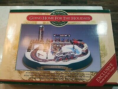 Vintage Mr. Christmas Going Home For The Holidays Musical Christmas Train Set