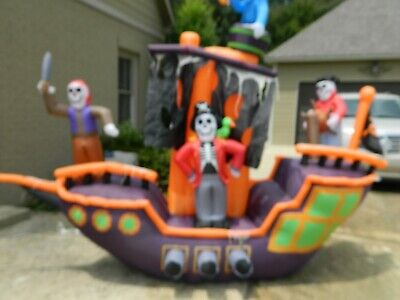 Pirate Ship Inflatable (Gemmy Haunted Living Halloween Pirate Ship Inflatable ..9.12)
