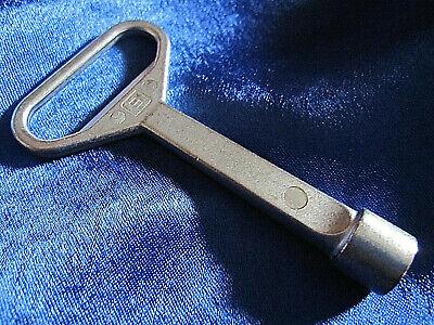 8mm Dreikantschlüssel Mülltonnen Schlüssel BW Innendreikant Flaschenöffner
