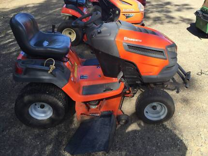 HUSQVARNA YTH 2242 RIDE ON MOWER (T)