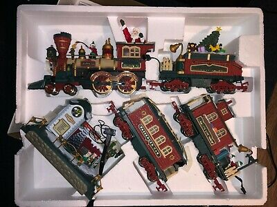 Bright 385 Musical Holiday Station Christmas Elec Train  set w/ Animated Tower