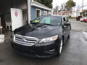2011 FORD TAURUS FULLY LOADED!!