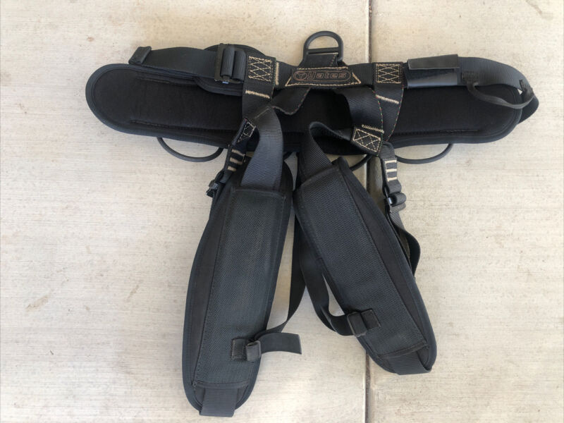 Yates 320 USN Tactical Rescue Harness With Carabiners & Descenders