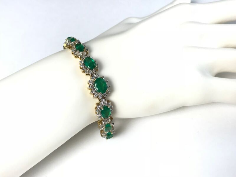 7.15 Ct Natural Emerald & 4.60 Ct Diamond Bracelet In 14 Ct Yellow Gold