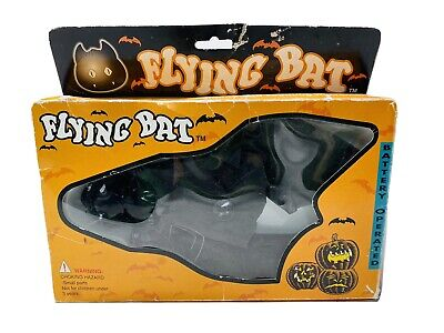 Vintage Flying Bat Battery Operated Halloween Scary Flying Flapping Spinning