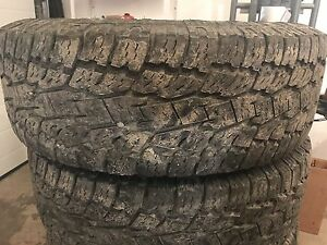 Toyo open country a/t 285/70r17