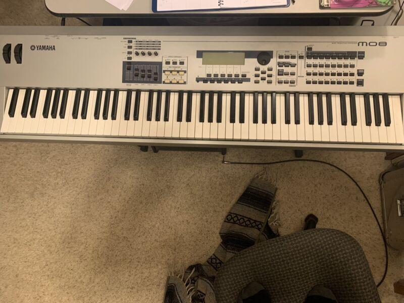 Yamaha MO8 Keyboard Synthesizer
