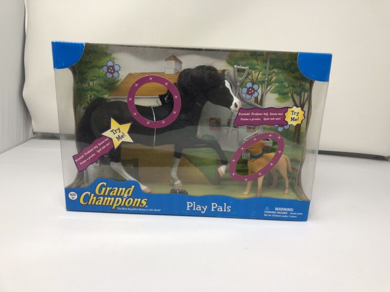 Grand Champion Play Set Includes Oldenburg Stallion And Yellow Lab .
