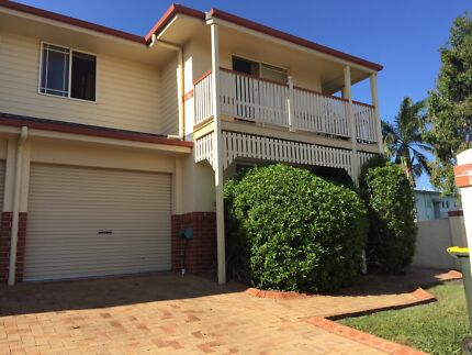 Only $120 for FIFO. Big room in large townhouse Lutwyche Brisbane North East Preview