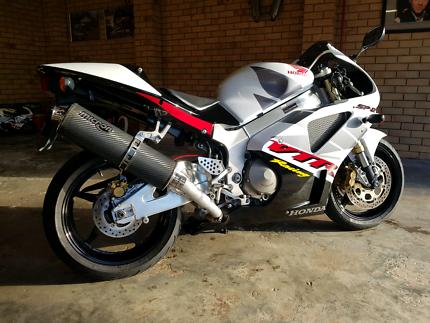 Honda 02 vtr sp2 1000