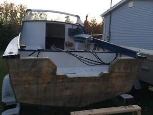16ft boat made from marine plywood, needs minor work!