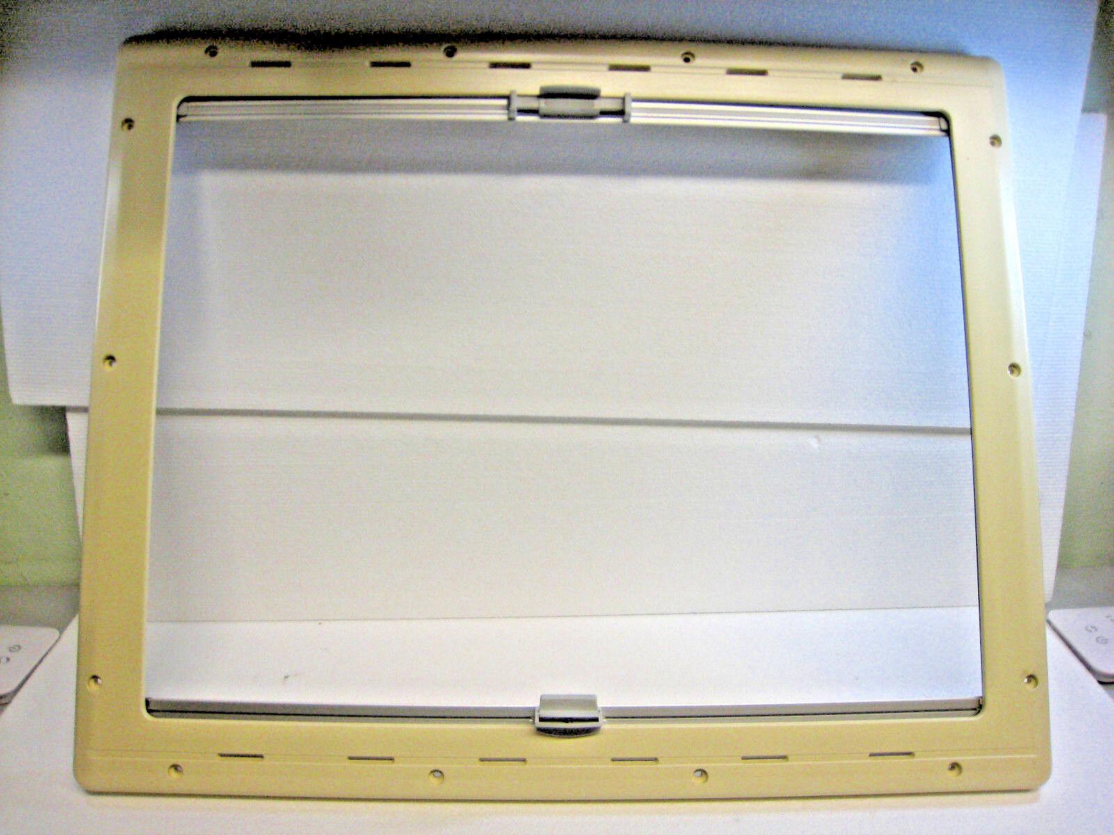 Innenrahmen mit Verdunkelungsrollo Größe ca. 600 x 750 mm  für S4 Fenster beige
