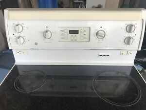 GE Stove GREAT CONDITION