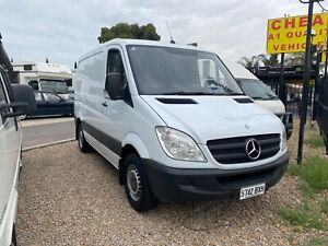Mercedes Sprinter Camper* 2009* Open Plan* Queen Bed* Custom Cabinetry* Fridge* Awning Broadview Port Adelaide Area Preview