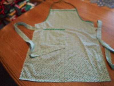 Women's Adult Hand-Crafted Apron for  Kitchen/Art Work/Gardening~Christmas Holly