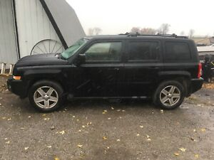 2007 Jeep Patriot 4x4 remote start trades welcome safetied