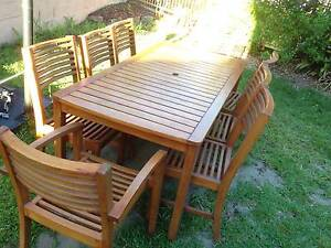 OUTDOOR TABLE AND CHAIRS McDowall Brisbane North West Preview