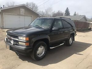 1997 Chevrolet Tahoe Sport 4X4 Fully Loaded HARD TO FIND