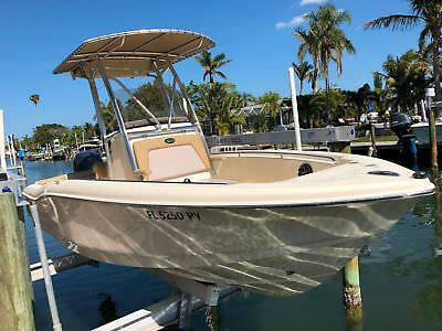 SCOUT*210*79 HOURS*RAYMARINE GPS*SIDE SCAN*150HP YAMAHA 4 STROKE*TRAILER*FLA