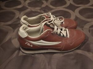 Men's Size 9 Brown Leather Fila Running Shoes