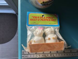 New Vintage Pigs in a Poke Plastic Salt & Pepper Shaker Set