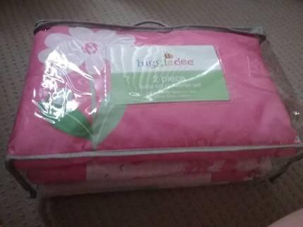 Baby cot comforter set