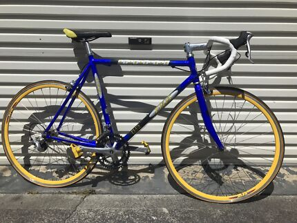 Tiagra 2000 Road bicycle with accessories