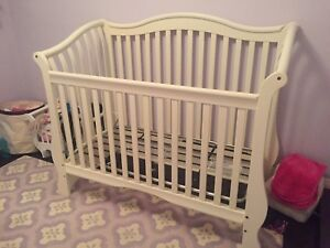 Crib - great condition and great quality