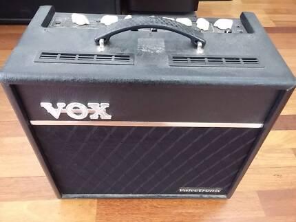 VOX VT40 PLUS VALVETRONIX GUITAR AMP COMBO IN VERY GOOD CONDITION