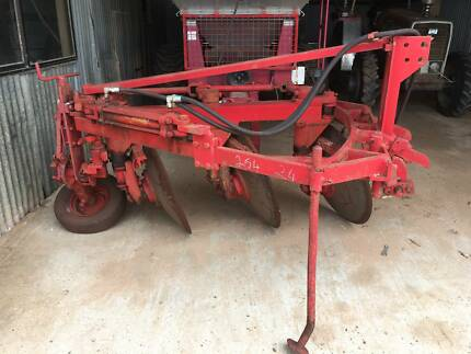 tractor 3 point linkage hydraulic reversible 3 disc plough Wamuran Caboolture Area Preview