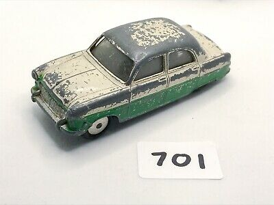 RARE VINTAGE CORGI TOYS # 200 FORD CONSUL SALOON CAR DIECAST TWO-TONE 1956 MODEL