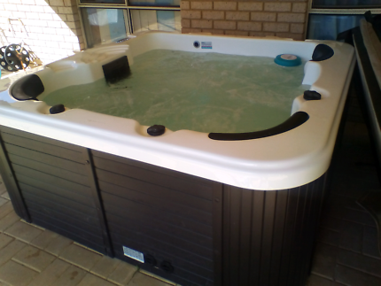Sun spas for sale  in very good condition a year old in October