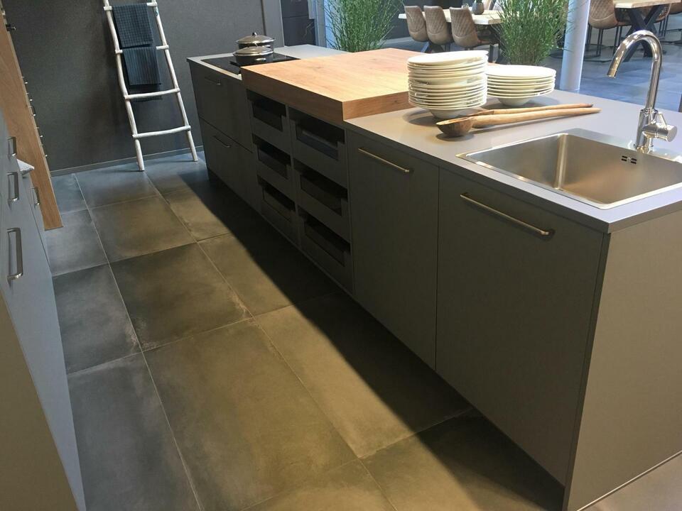 NEU Insel Küche individuelle Küchenzeile Einbauküche D19 in Enger