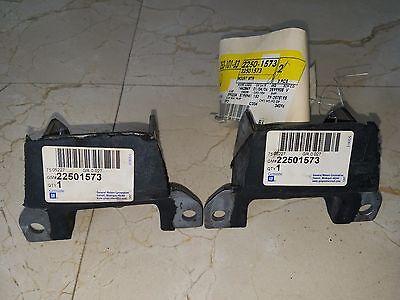 GM 22501573 ENGINE MOUNTS SET (2) OLDSMOBILE 307 403 455 ORIGINAL NEW NOS