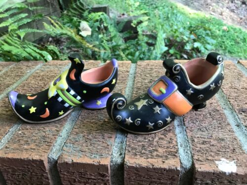 HALLOWEEN WITCH SHOES CERAMIC TEA LIGHT CANDLEHOLDERS