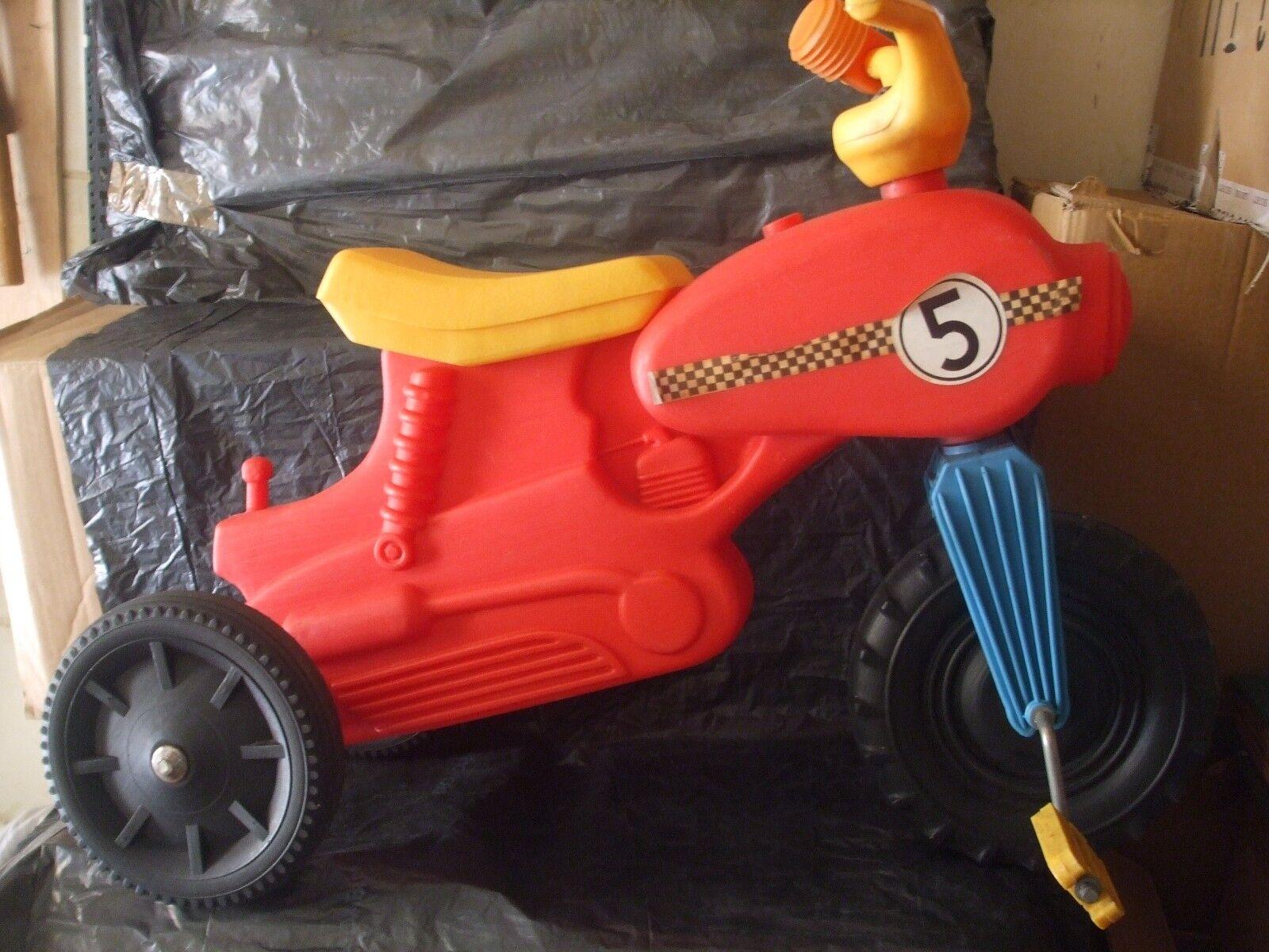 VINTAGE TRICYCLE RIDE ON VINTAGE TRICYCLE MOTORBIKE PLASTIC 3 WHEELER RIDE (Used - 70 USD)