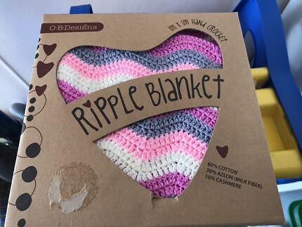 BNIB galah ripple blanket