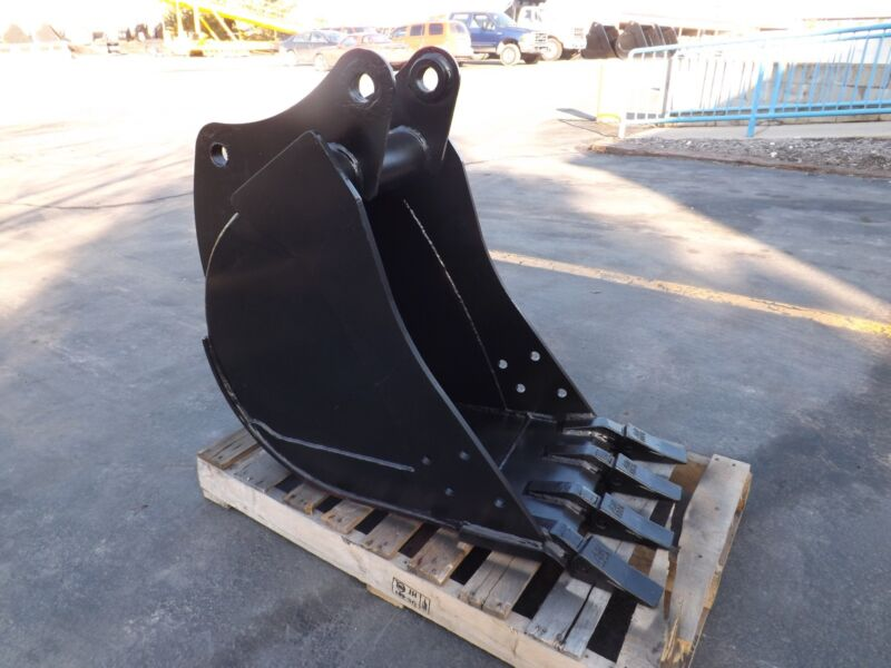 "New 18"" Heavy Duty Backhoe Bucket For A John Deere 310g"