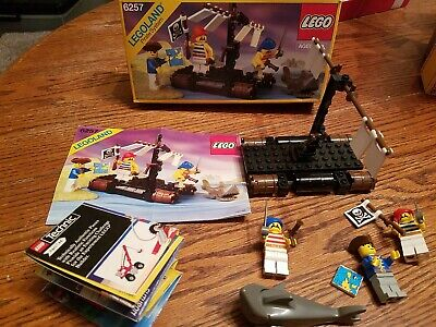 Lego 6257 Castaway's Raft, Pirates 100% Complete with instructions & Box