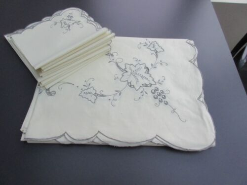 """Ivory Linen Hand Embroidery Cutwork Tablecloth 102"""" x  66""""  w 12 Napkins 16"""""""