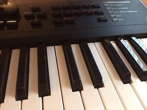 Roland xp30 synthesizer 61 keys