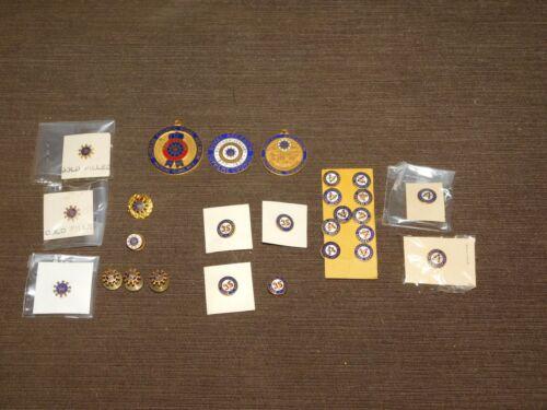 VINTAGE LARGE LOT 27 PINS & MEDALS VMC ROYAL ARCANUM