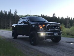 2015 Ford F150 **Low Kms!**