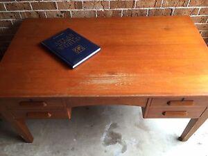 Large Vintage Oak Desk Cherrybrook Hornsby Area Preview