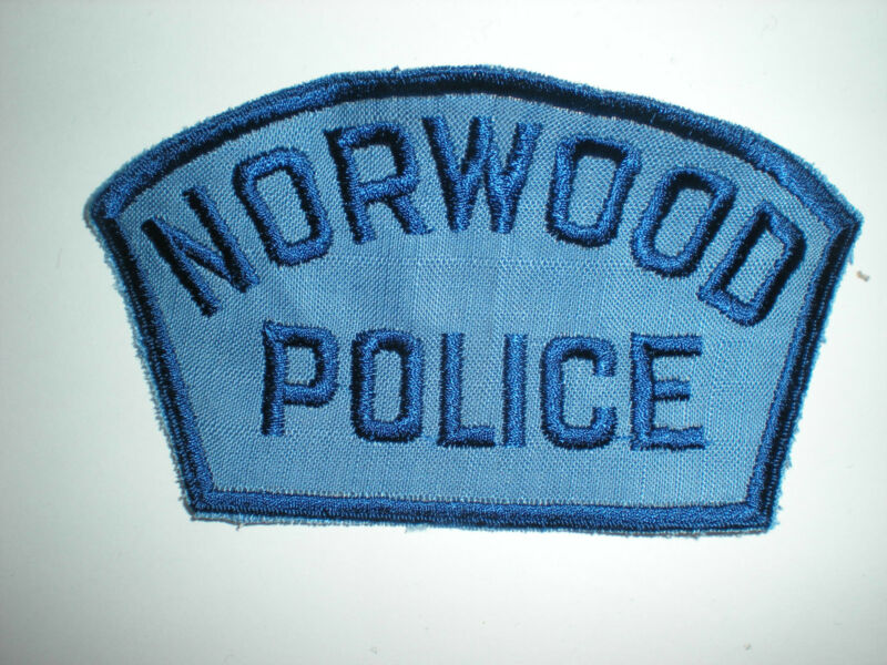 NORWOOD, MASSACHUSETTS POLICE DEPARTMENT PATCH