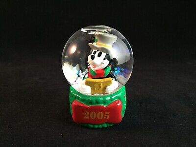 Vintage 2005 Disney Mickey Mouse Christmas Snow Globe Exclusively for JCPenney