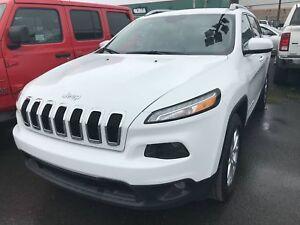 Jeep Cherokee 4 RM,NORTH V6 *TEMPS FROID* ÉCRAN DE 8.4POUCES * C