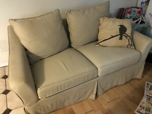 Couch chesterfield