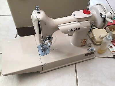 RARE 221J GRAIL! SINGER FEATHERWEIGHT SEWING MACHINE BEIGE TAN TESTED & WORKING!