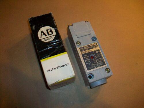 Allen Bradley Proximity Sensor 802PR-LAAH1  NEW IN BOX
